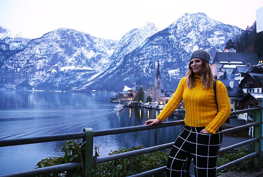 Fotografija austrijskog sela Halštat na jezeru u zimskom periodu
