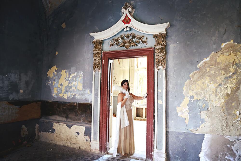 Slika ornamenata iznad vrata u Špicerovom dvorcu