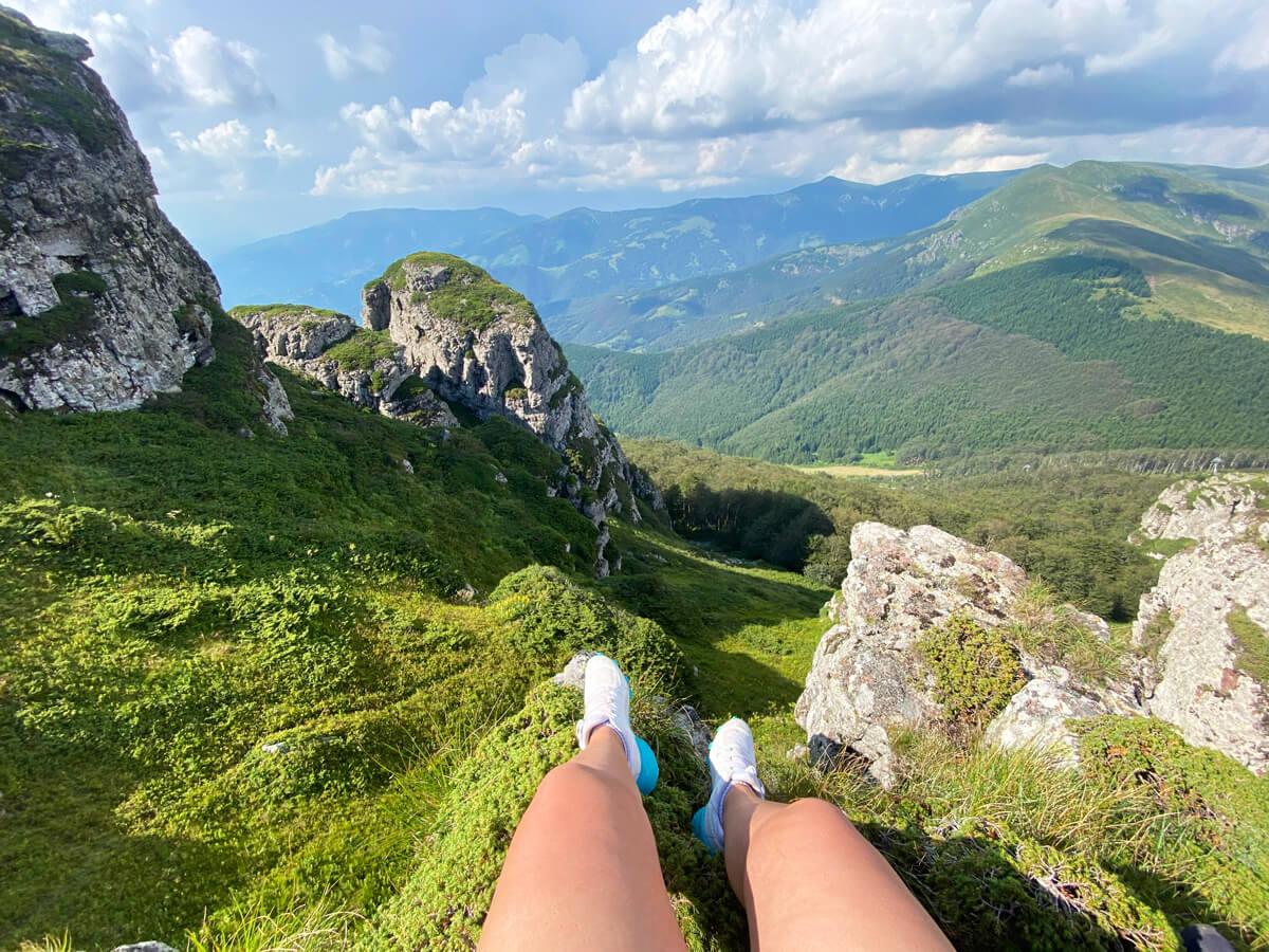 Boravak u prirodi - pogled sa vrha planine